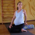 Parivritta-virasana w ciąży